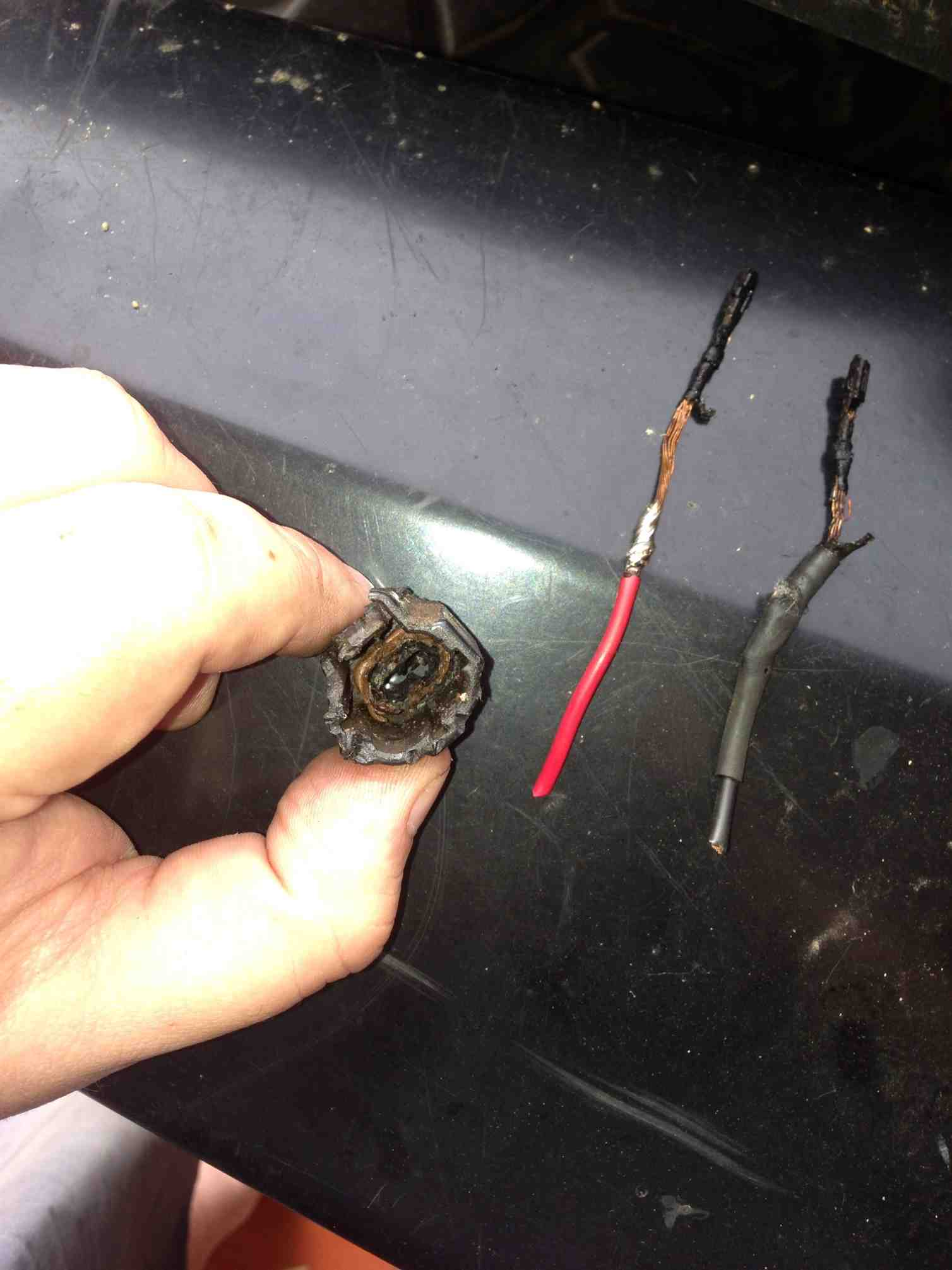 If You Have A 2007 2008 Jk Crd Then Should Read This Jeep Fuel Filter Replacement Of The Wiring Through Which Diesel Was Flowingthe Insulation Has Completely Melted Away From Wires And Internals Connector Are