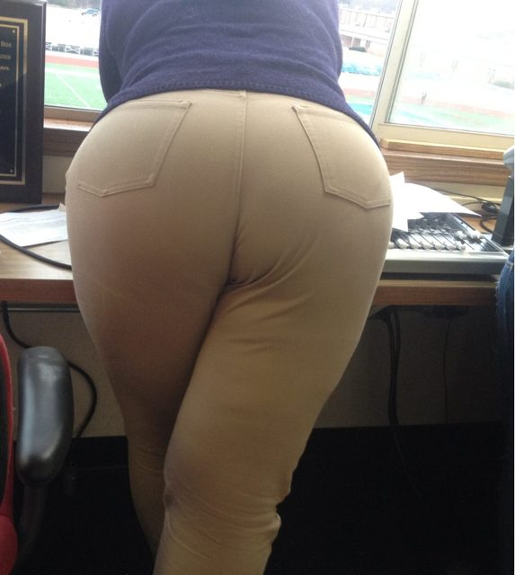 Women! Show your butt thread! - Page 292 - Pirate4x4.Com : 4x4 and ...