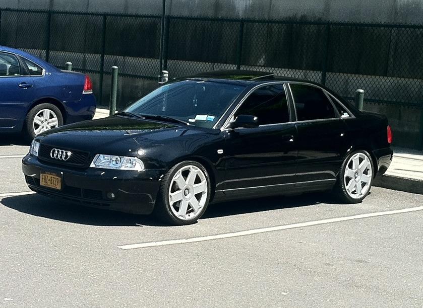 Audi A4 2.8 V6 quattro B5 - Audi S4 B6 Avus 18