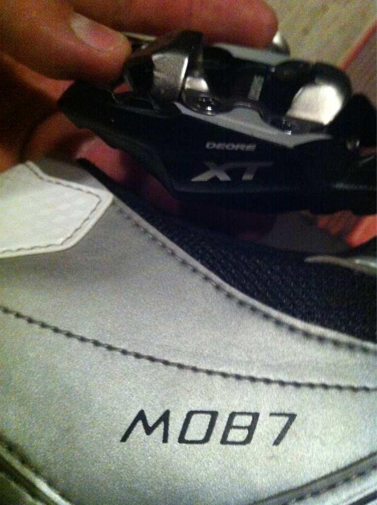 Kengät shimano m087 ja polkimet shimano deore xt pd-m785. Tämä yhdistelmä  on minulle 557c3ce063