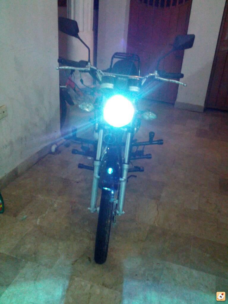 My brand new Suzuki GS150 (2014 model) - badura2y