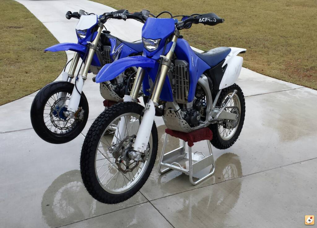 wr450 de restriction and conversion to yz spec street legal coming up on a year of abuse just washed the sand off and put some new shoes on the dual sport gonna focus on making the sumo pretty again
