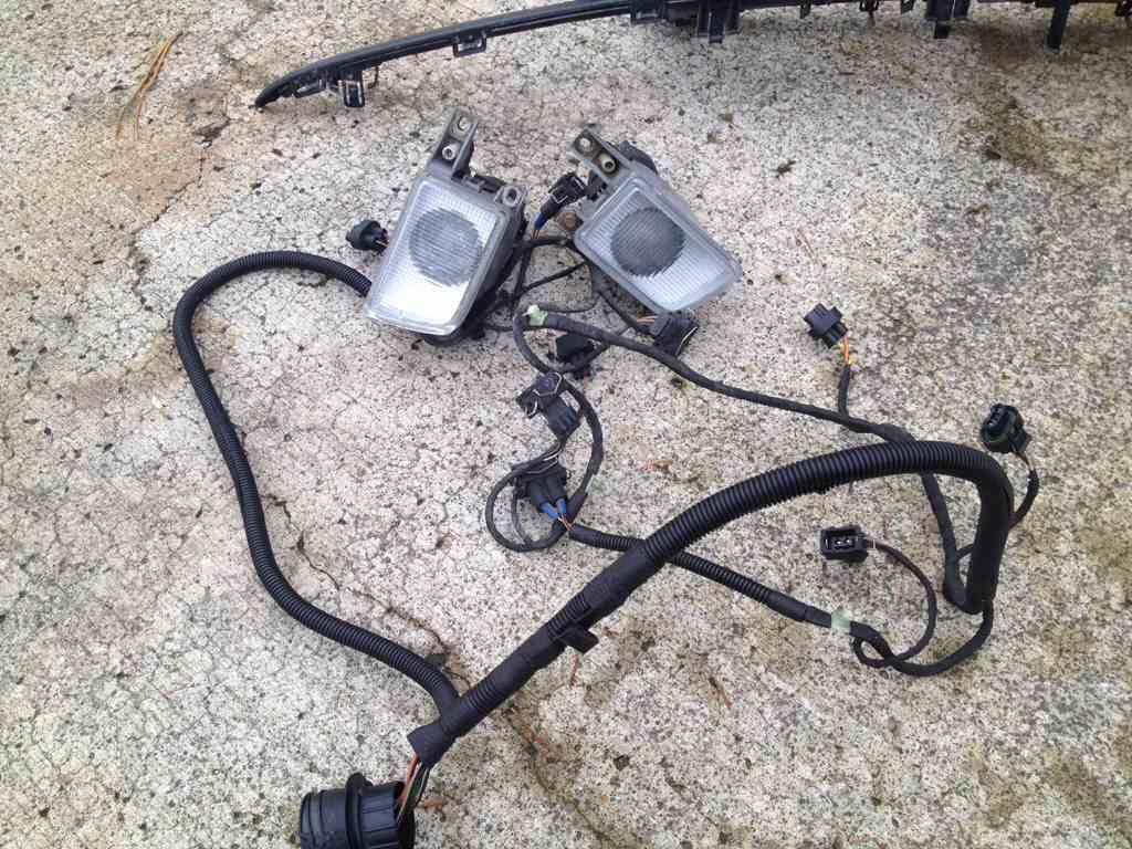 apa4erer vwvortex com mk3 parts black 2 piece gti grill, cabrio mk3 5 mk4 wiring harness location at fashall.co