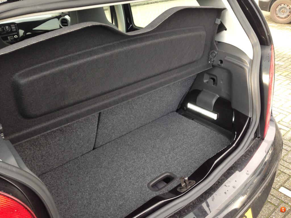 VW UP! Forum Nederland • Toon onderwerp - Automatisch kofferbaklicht
