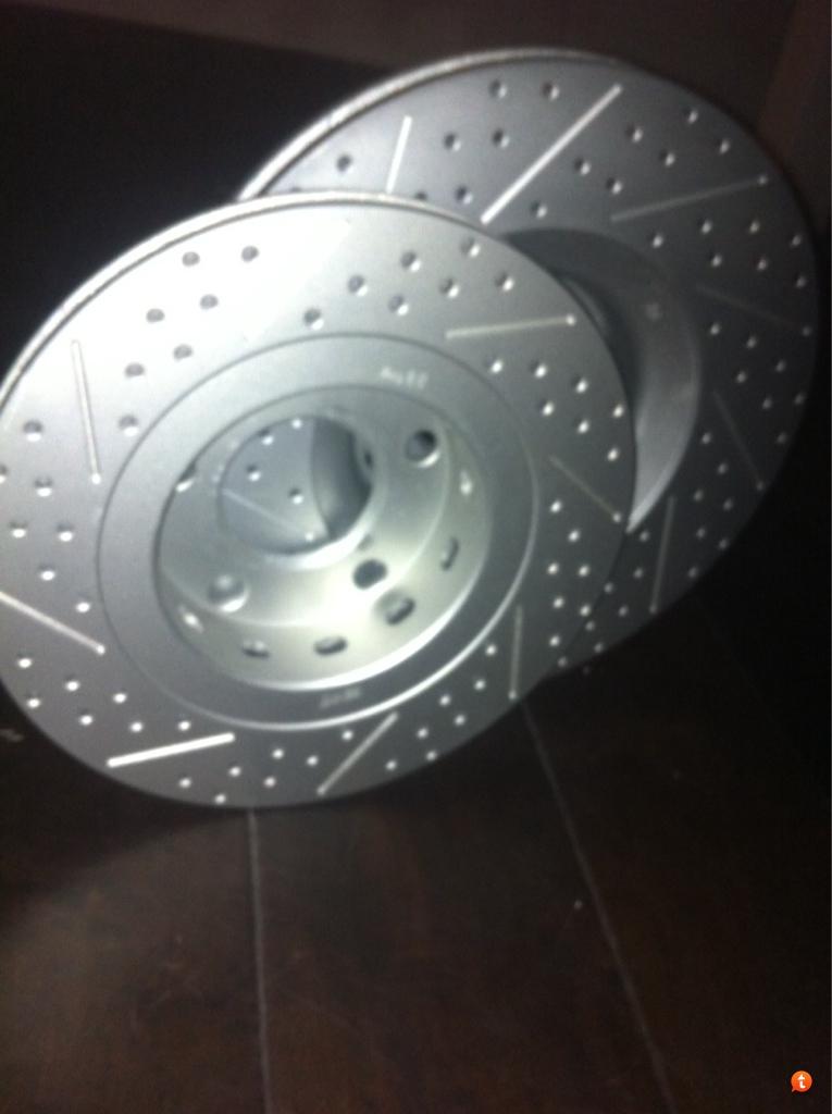 Brake Discs Axle Set 255mm Solid Fits Seat Altea 2.0 TDI 16V Rear Brake Pads