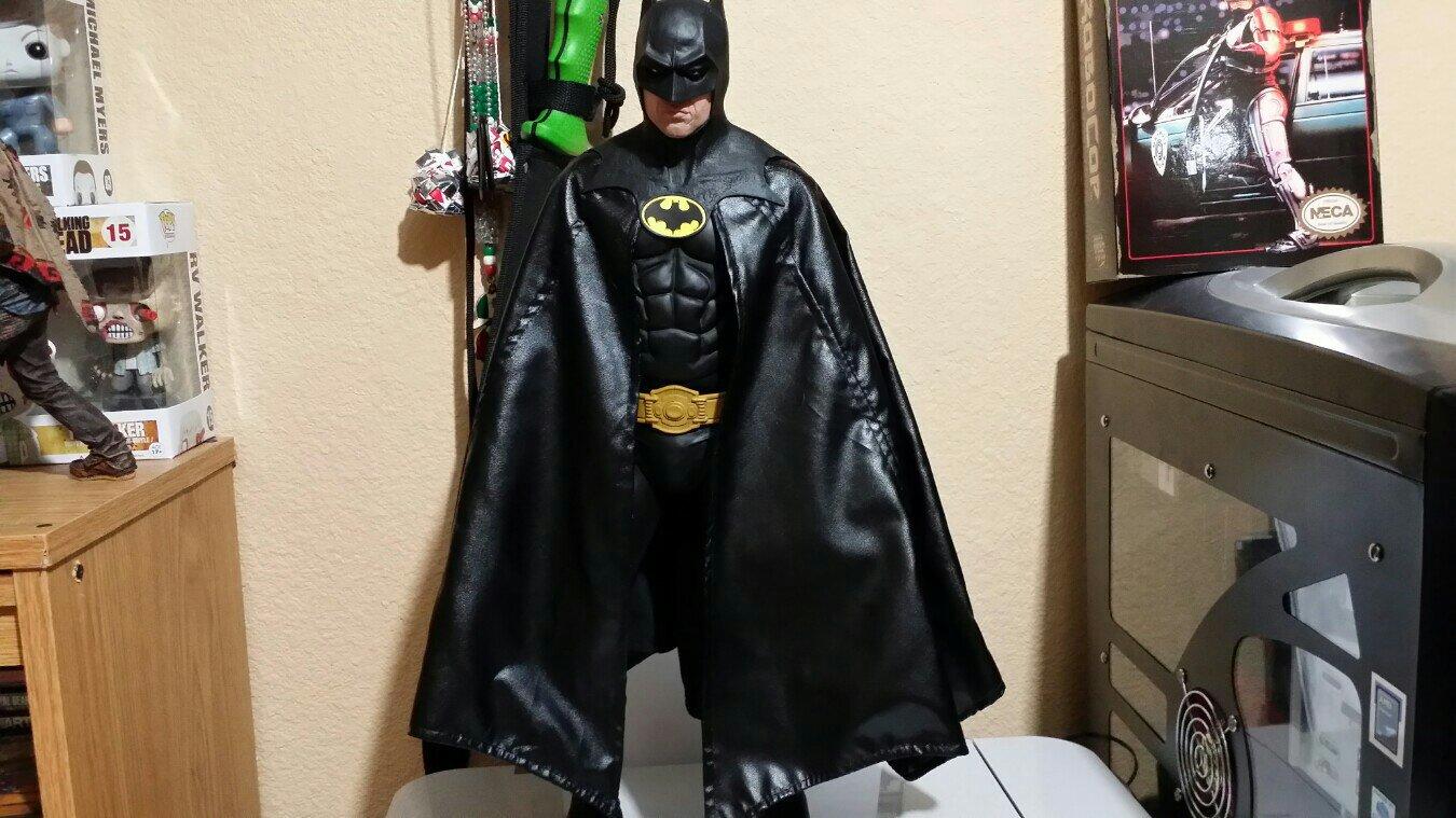 Neca 1/4 scale 89 Batman (michael Keaton) - YouTube