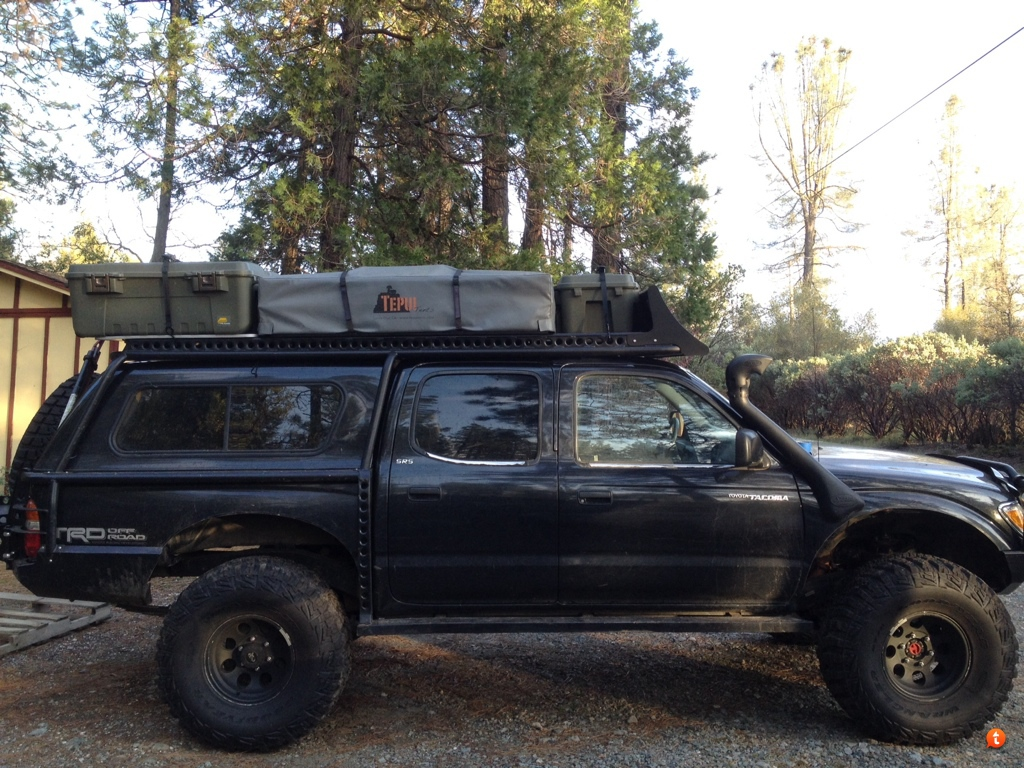 Also got some containers and a cabelas table mounted to the rack. Getting ready to go to the Oregon coast with the wife3 kids and a dog. & Rtt wind deflector - Expedition Portal