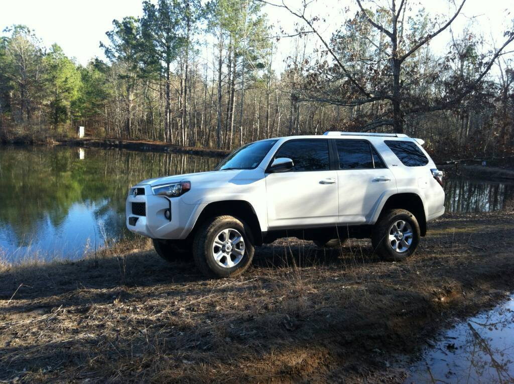 Leveling kit with STOCK tires/ Pictures??? - Toyota 4Runner