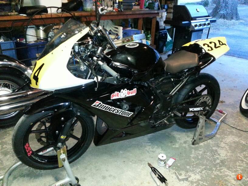 FS: 08 Ninja 250 race bike