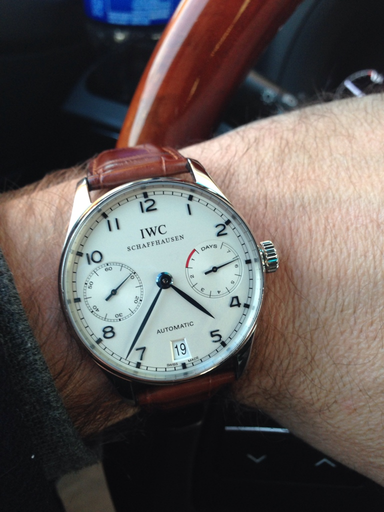 advice is a 39 mm large for a watches
