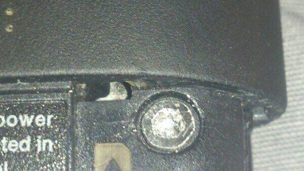 quitar tornillo robado celular