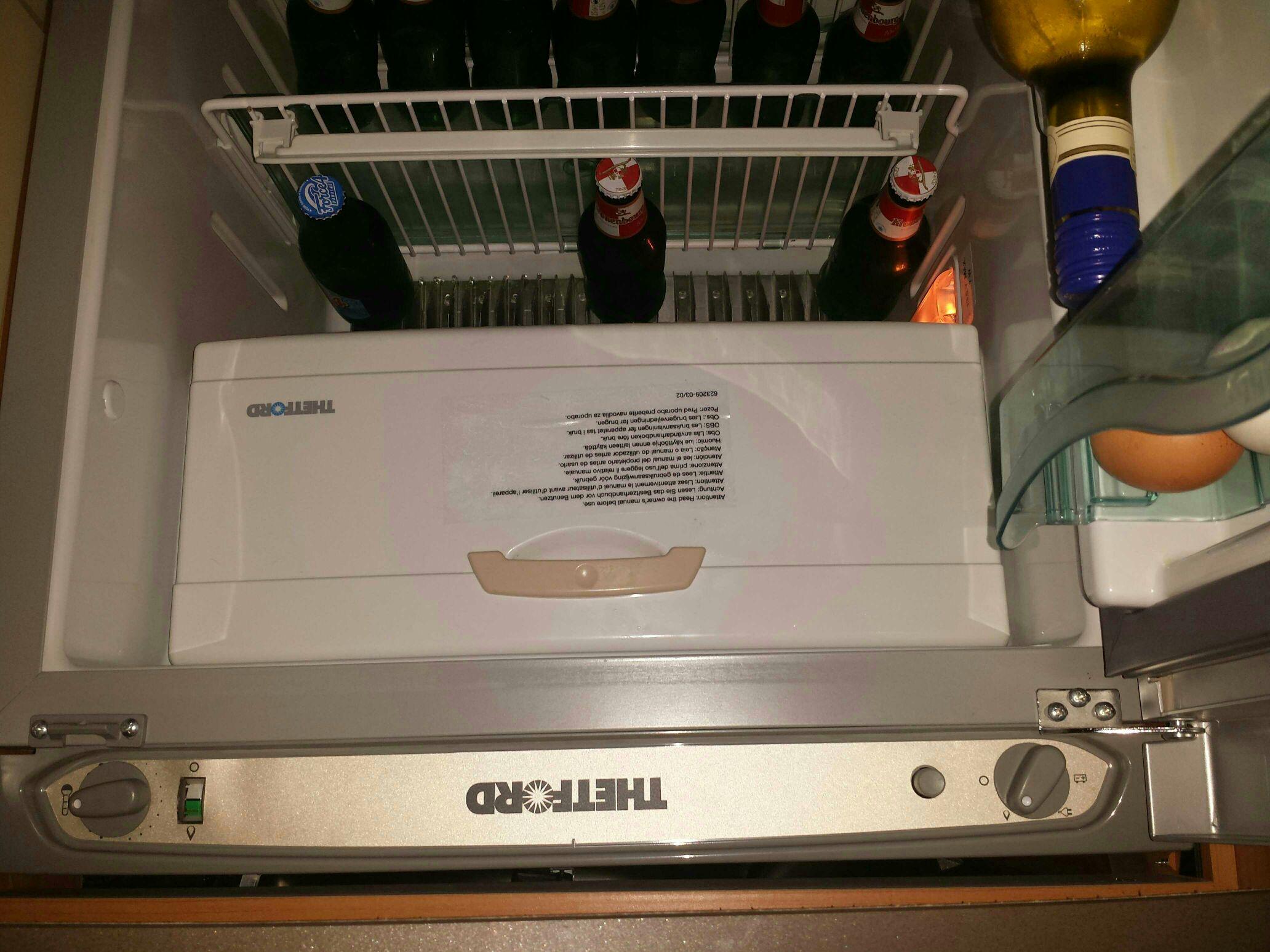 Red Bull Kühlschrank Dose Reinigen : Thetford kühlschrank n3000 kendra e. sikes