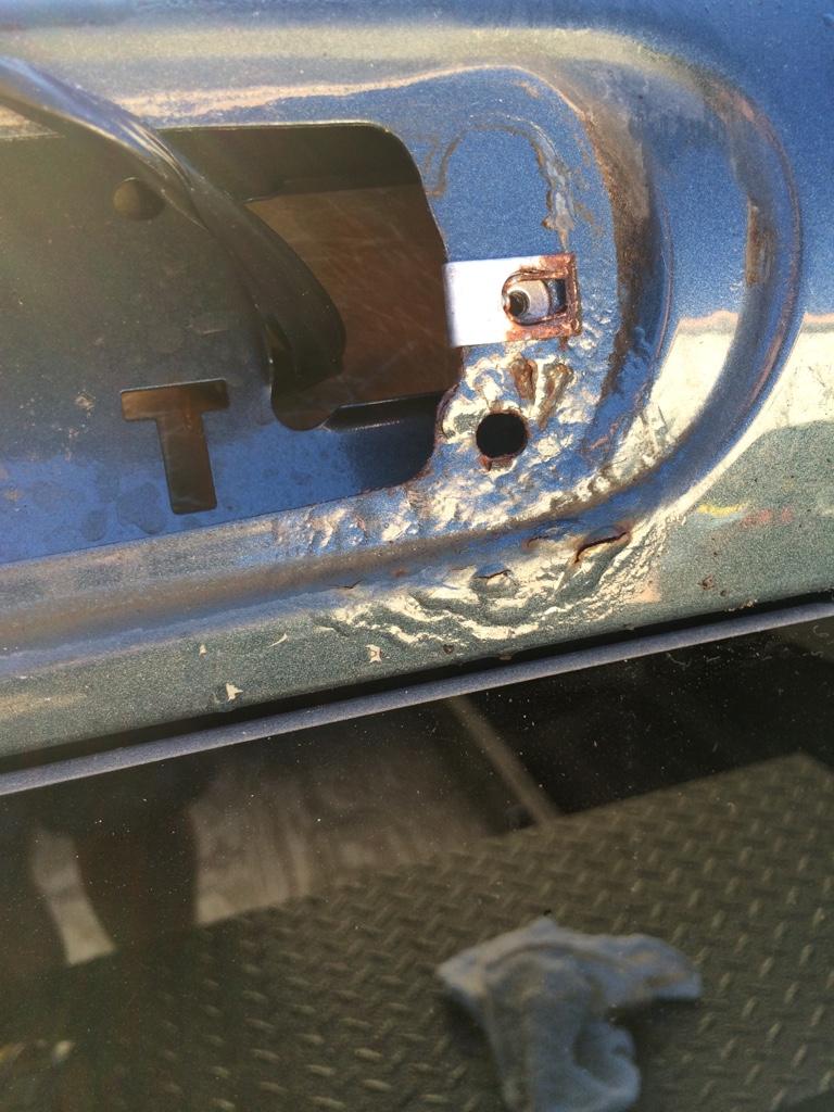 3rd brake light I need HELP - 1999-2013 Silverado & Sierra