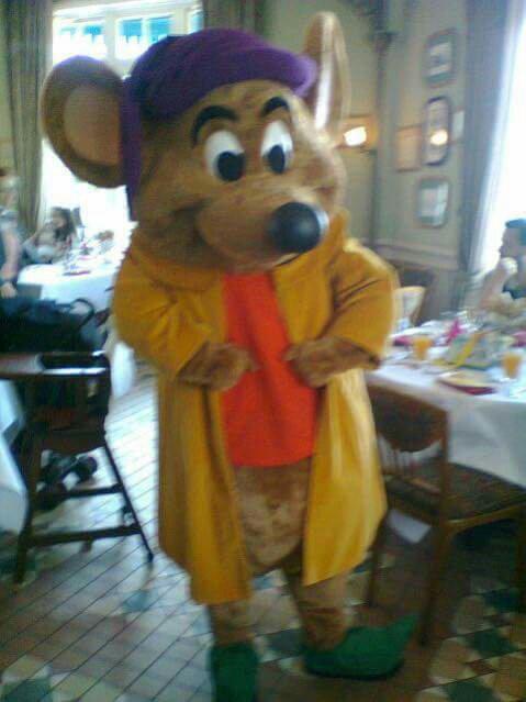 Brunch domenicale al Disneyland Hotel - Pagina 5 Cc89cf1ec137a52b994f09fa4f1cc796
