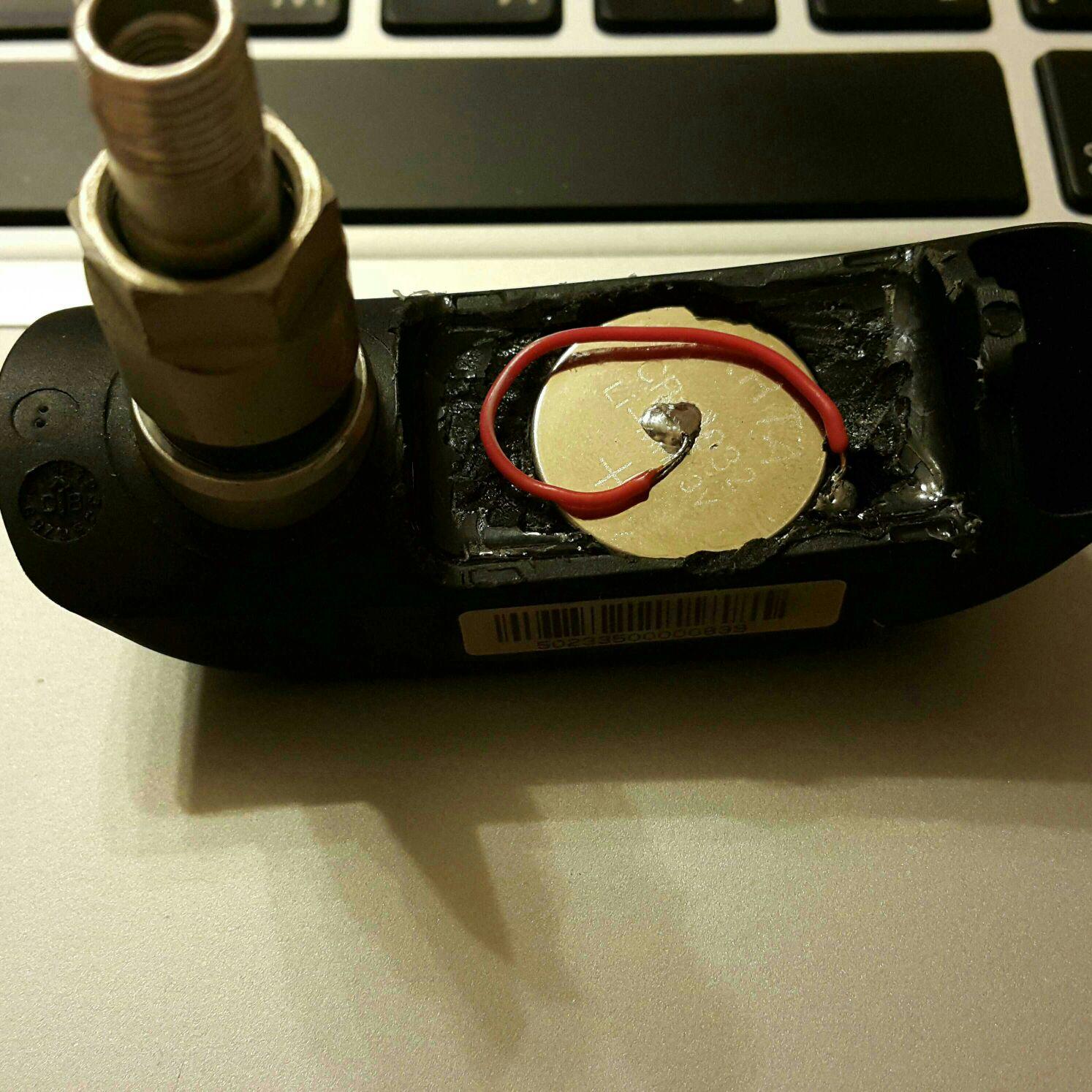 Внутренний датчик давления шин TPMS (с разборкой и заменой батарейки)