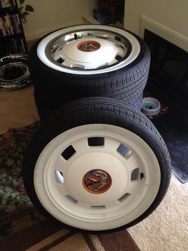 0d4e4ec74f7812 VWVortex.com - FS  2015 VW Beetle Classic white Heritage wheels w portawall  whitewalls (MD)