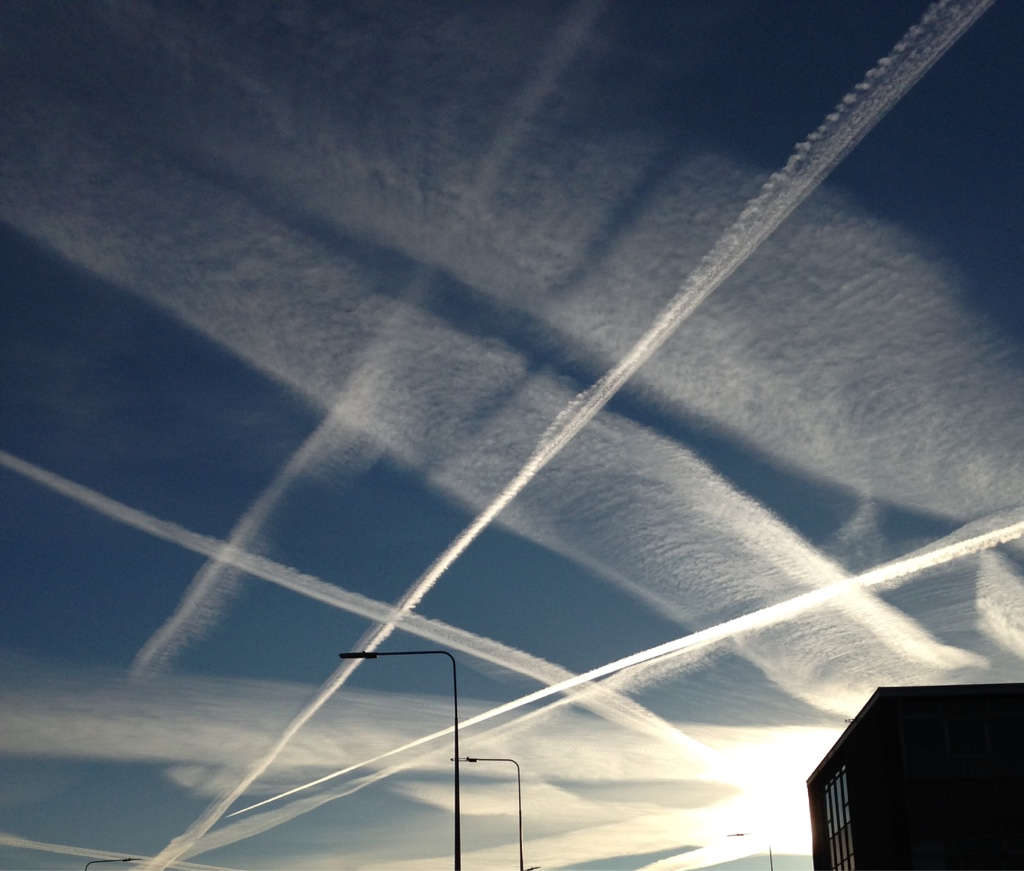 Chemtrails, Geo-engineering And HAARP   25d2a4d6710b8e9244052091b56d330c