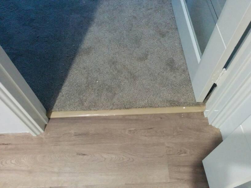 Vinyl plank flooring edge cap - crappy