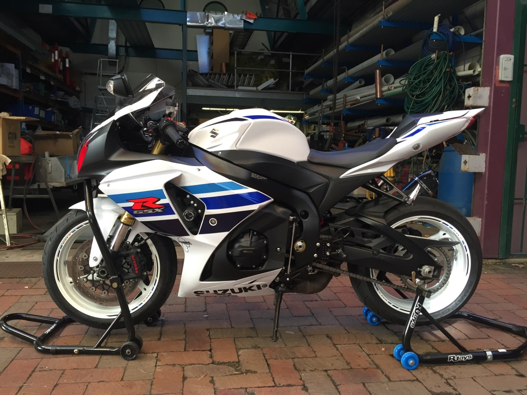 Road ) L3 GSXR 1000 commermertive edition