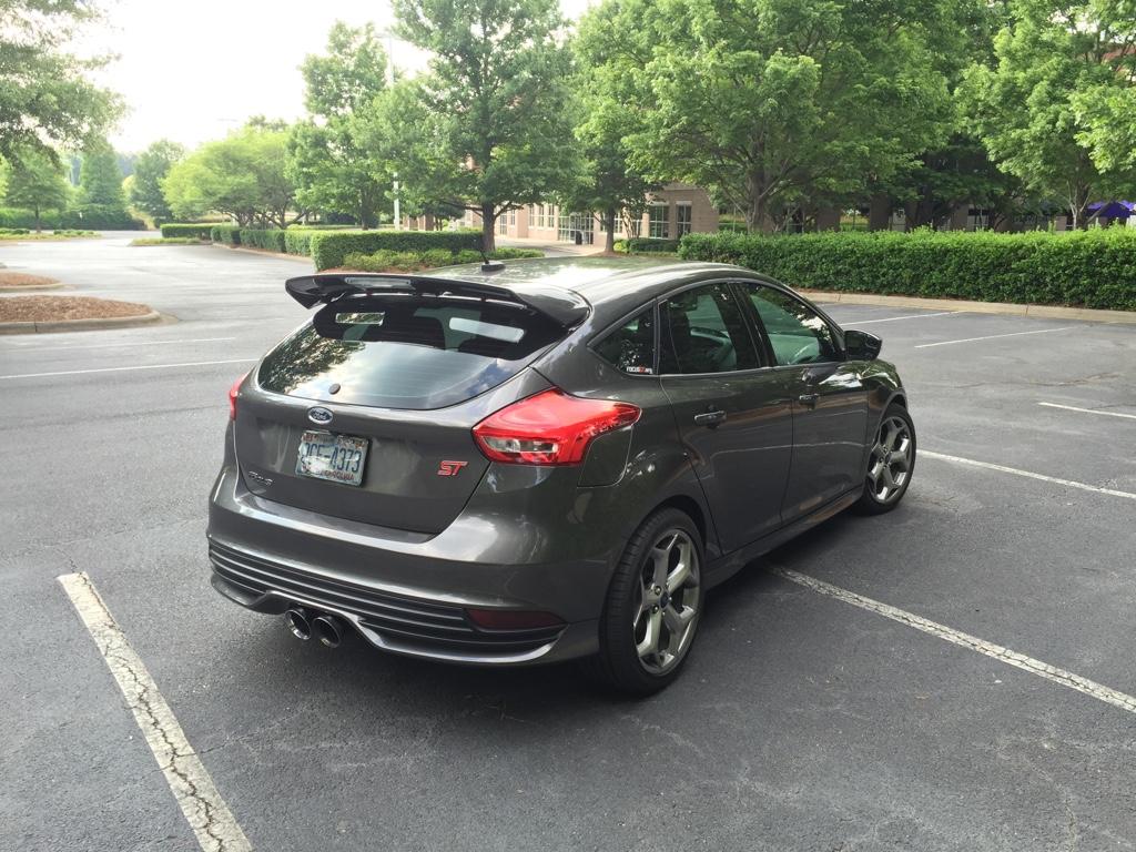 img - 2015 Ford Focus St Magnetic Metallic