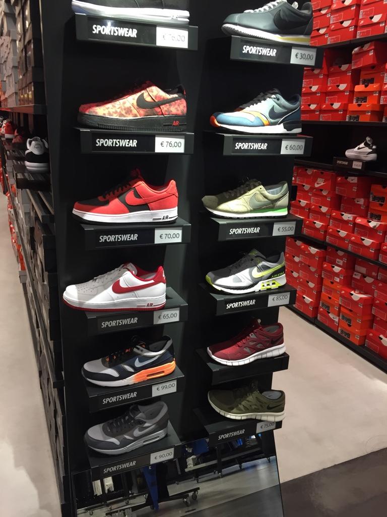 Virus He reconocido Intacto  SneakerCollector.es • View topic - Nike Factory