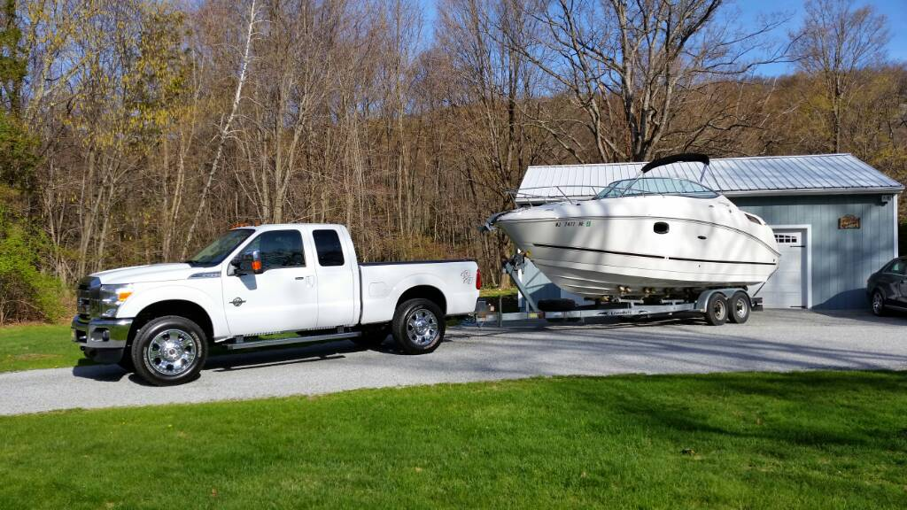 Vehicle for towing 2000-05 Sundancer 260 | Club Sea Ray