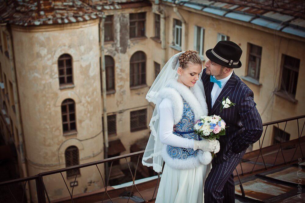 Кто одеть поверх свадебного платья