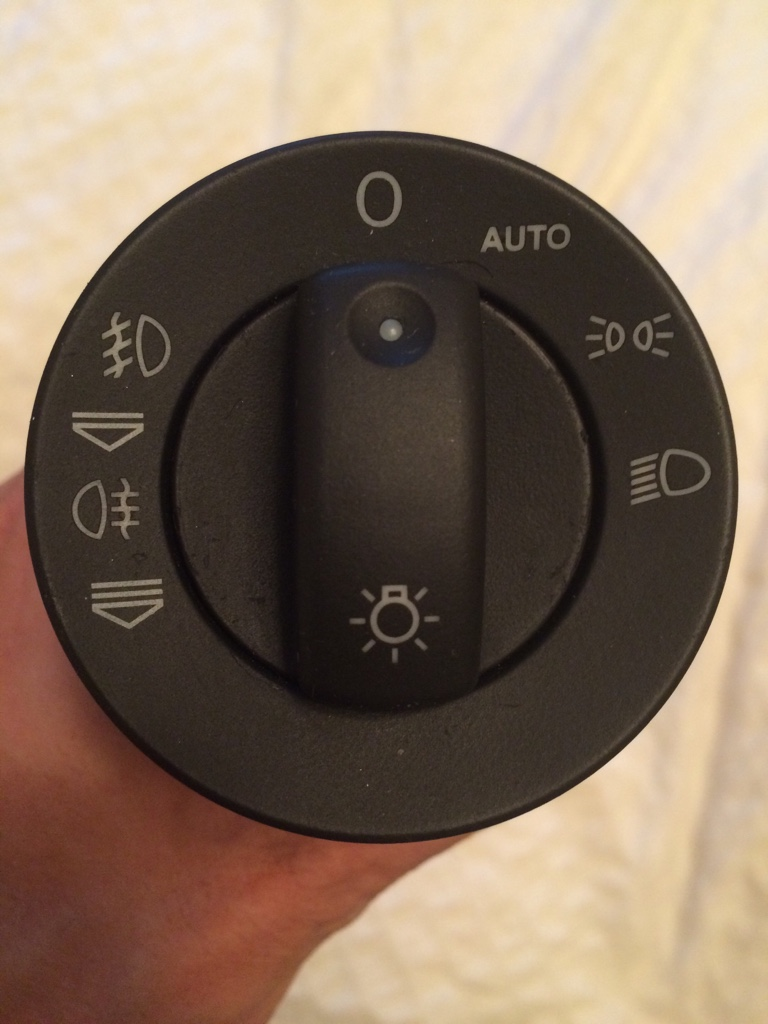 Vwvortex automatic headlight switch out of a 2005 a4 asfbconference2016 Choice Image