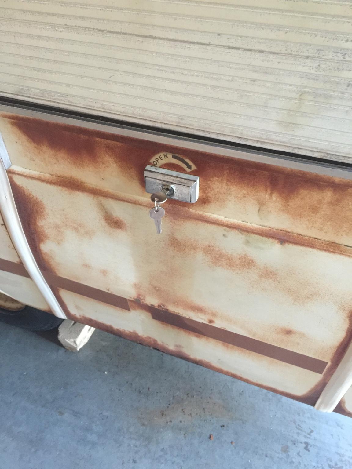 HELP] - Coleman Valley Forge door/step stuck | PopUpPortal
