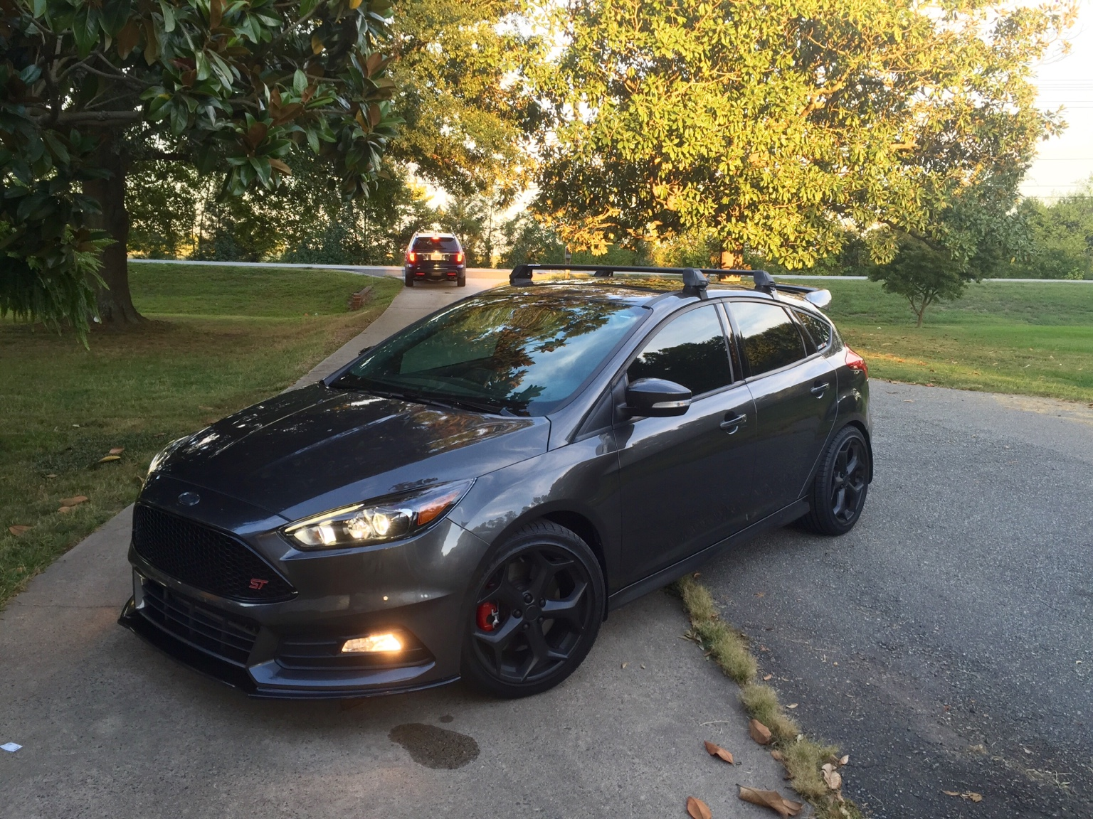 roof rack - 2015 Ford Focus St Magnetic Metallic