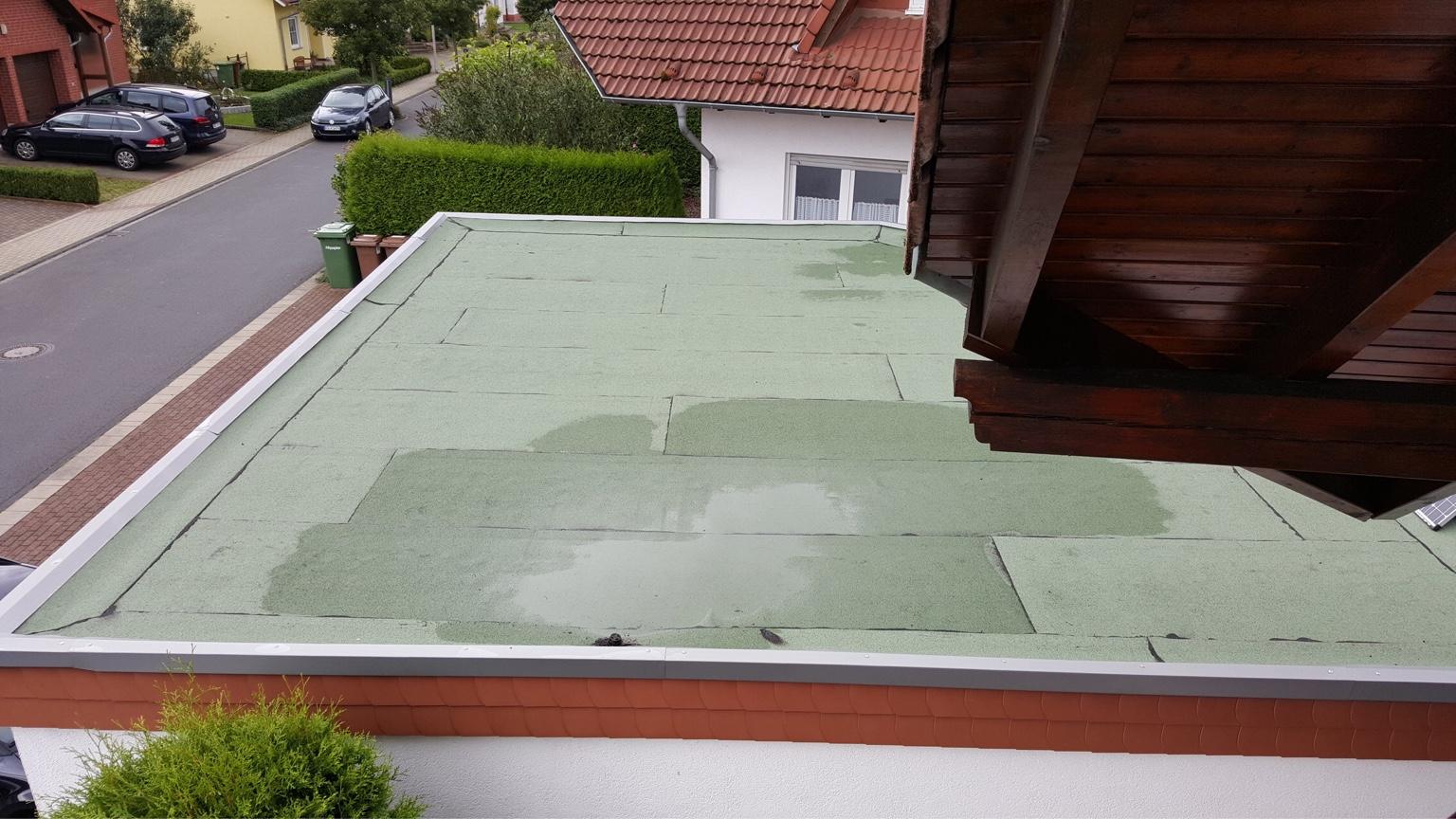 Gut gemocht Flachdachsanierung - Alte Bitumenbahnen entfernen?! KF52