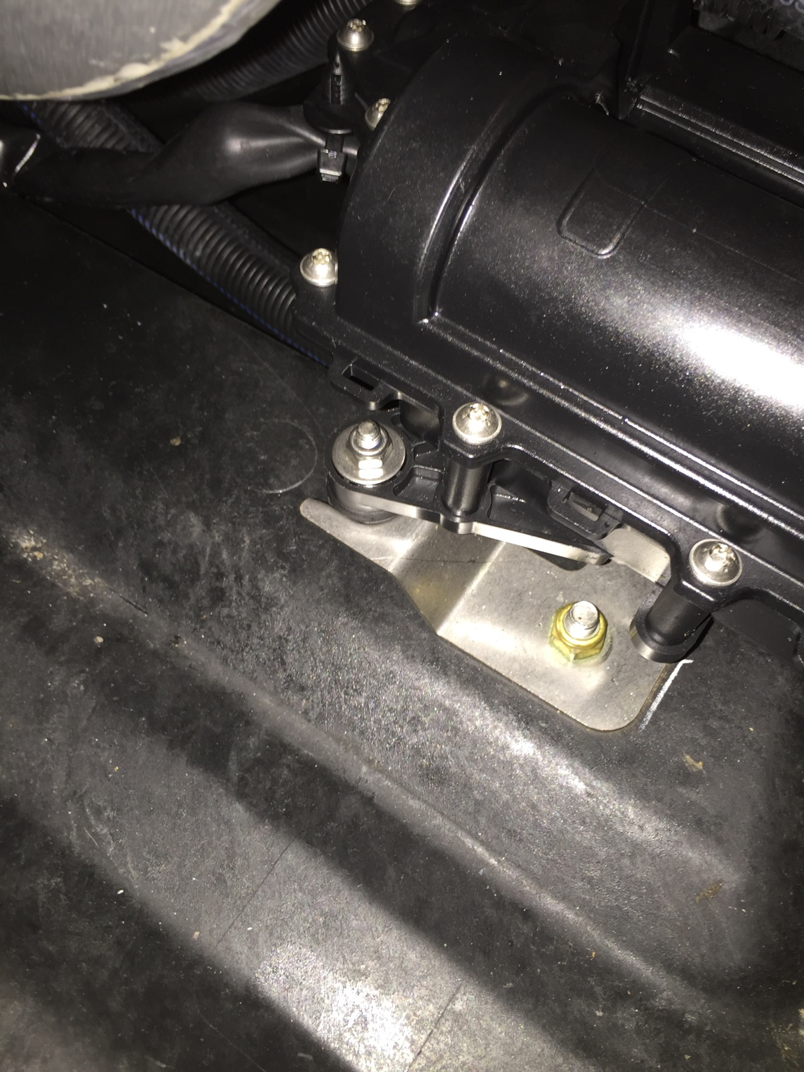 Installing intake grate on a iBR spark