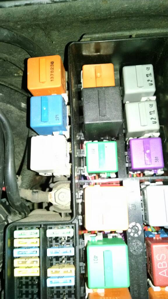 jumping the fuel pump relay rh bimmerforums com how to test fuel pump relay bmw e36 location fuel pump relay bmw e36