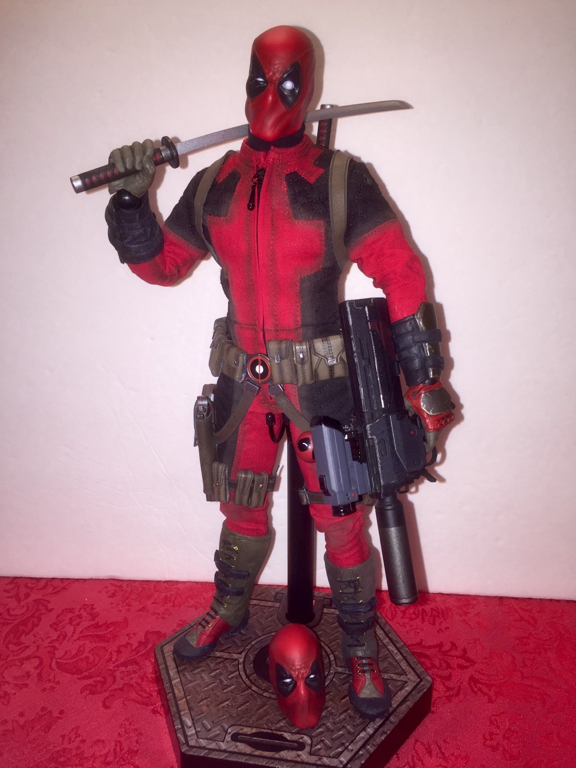 Custom 1//6 unmasked Deadpool head UNPAINTED head sculpt for the Sideshow Figure