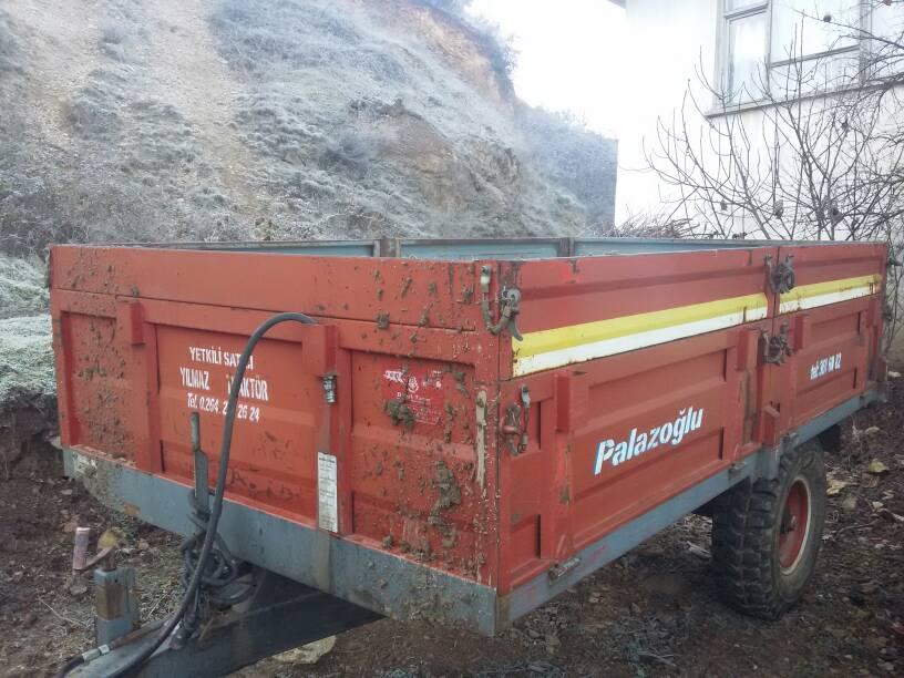 bugun aldigim 2 el 4 tonluk palazoglu romork trakkulup traktorler ve tarim makineleri