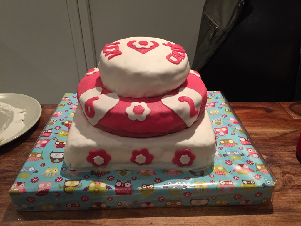 meisjes taart verjaardag