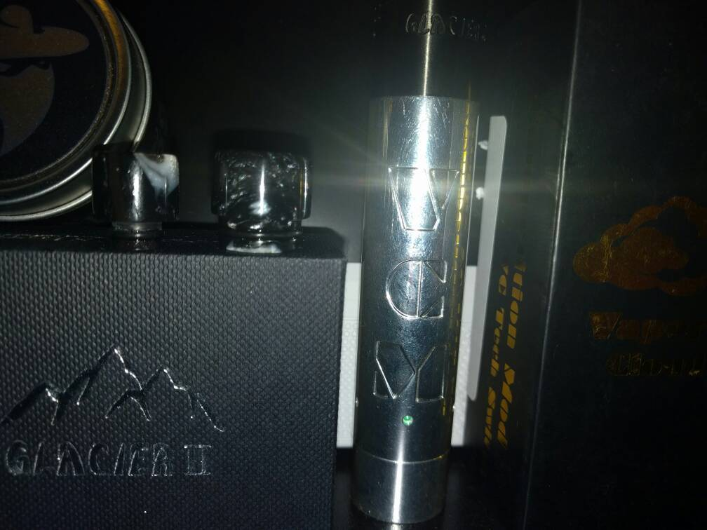 silver plated vcm glacier v2 two lawless drip tips vaping
