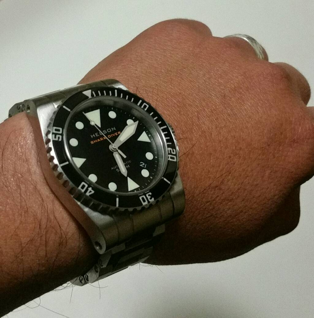 Dive watches with shortest lug to lug distance page 2 - 40mm dive watch ...
