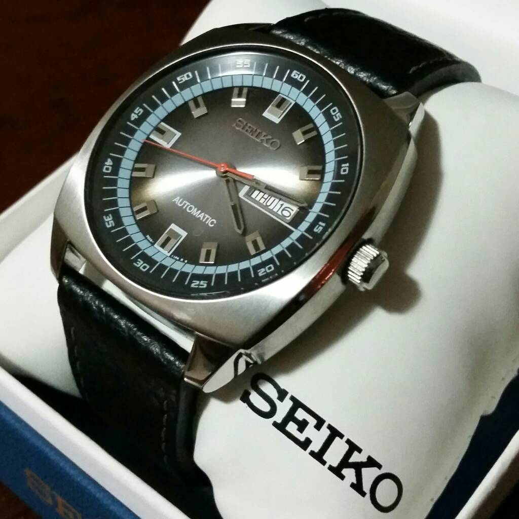 release date: 59076 567c5 F.S. Seiko Recraft SNKN01 like new