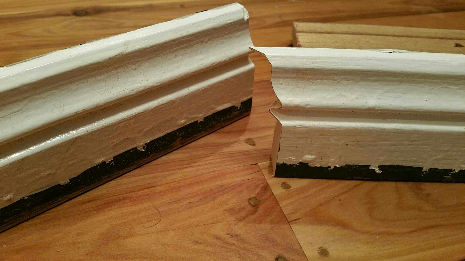 how to cut mitre corners for skirting