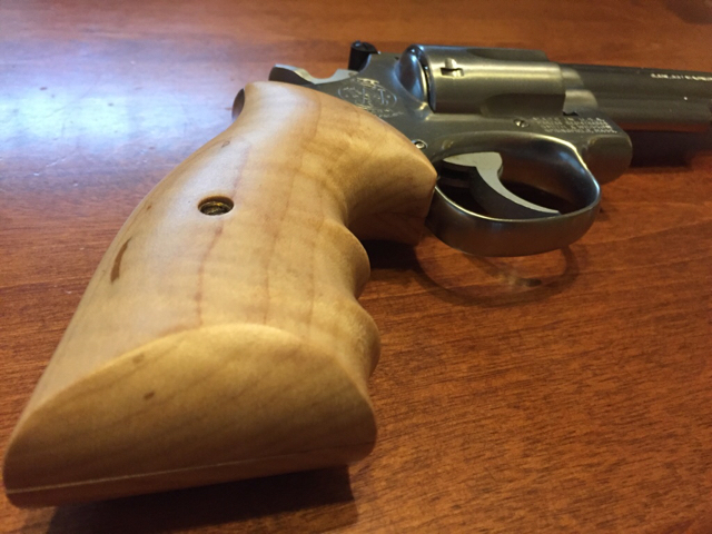 Ahrends Grips Rock - Gear - IllinoisCarry com