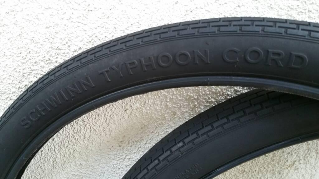Schwinn Typhoon Cord Brick Black Wall 26 X 2 125 Inch