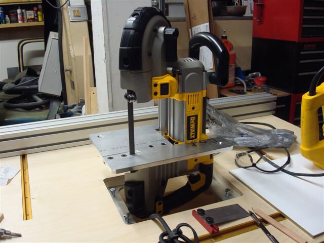 Router table adventurepic heavy and finally dropping it into the mft router table keyboard keysfo Images
