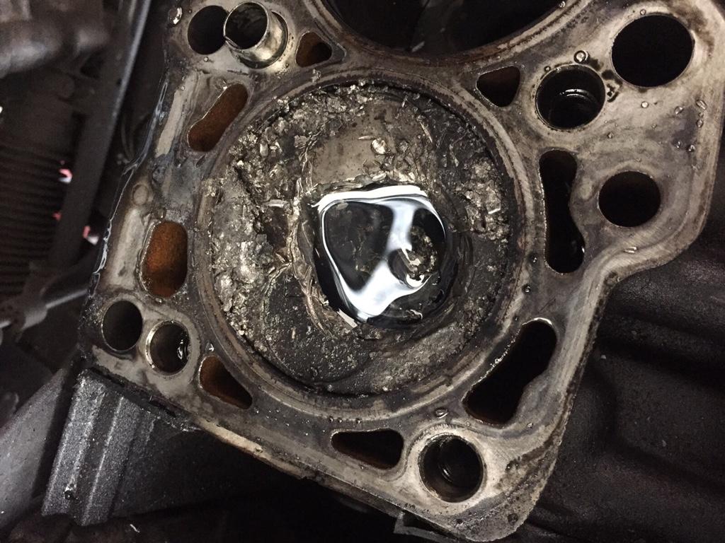 Mk4 Yr2000 19tdi Valve And Piston Destruction The Volkswagen Vw Jetta Timing Belt Broke Image