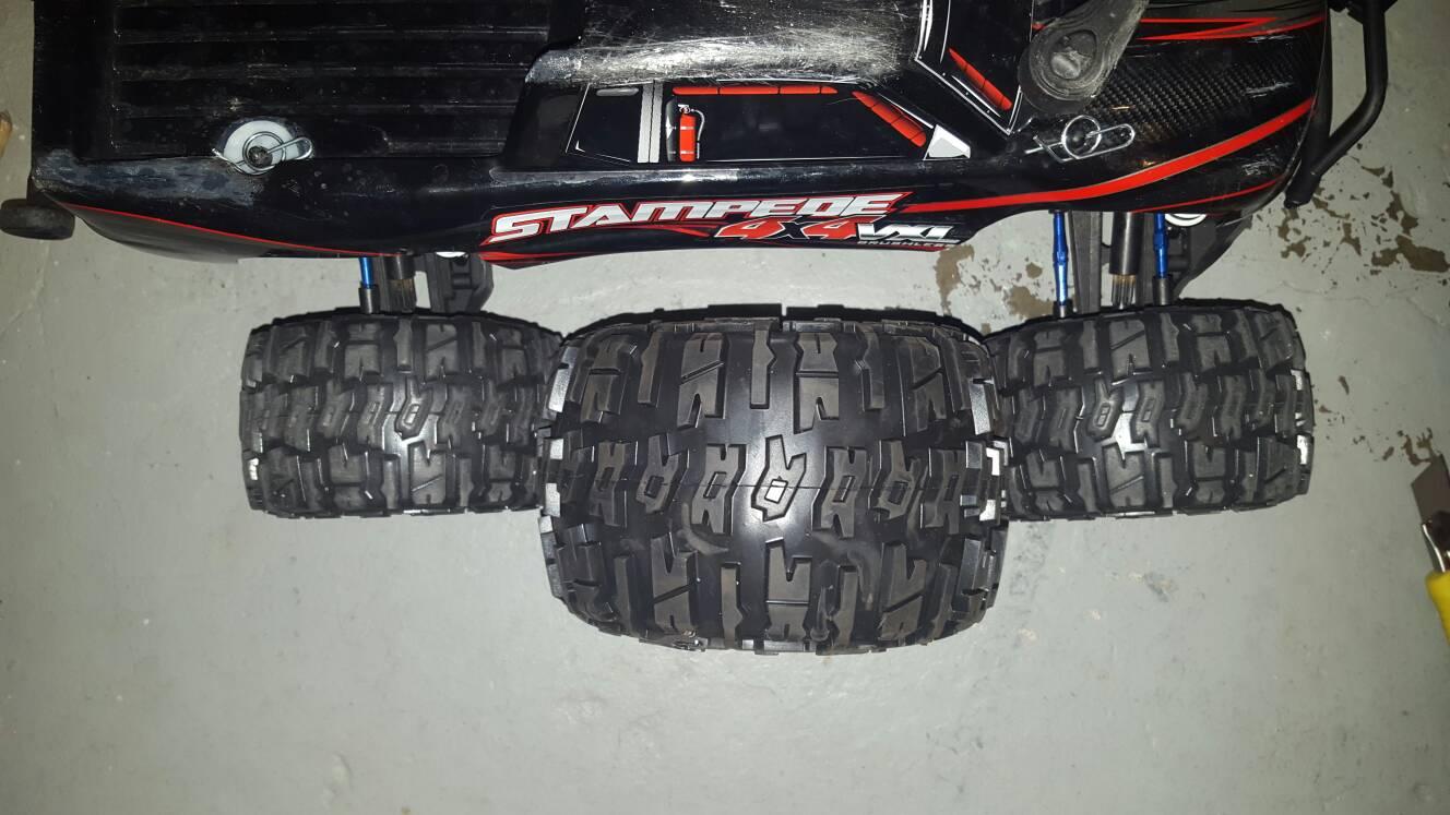 Emaxx Wheels On A 4x4 Slash