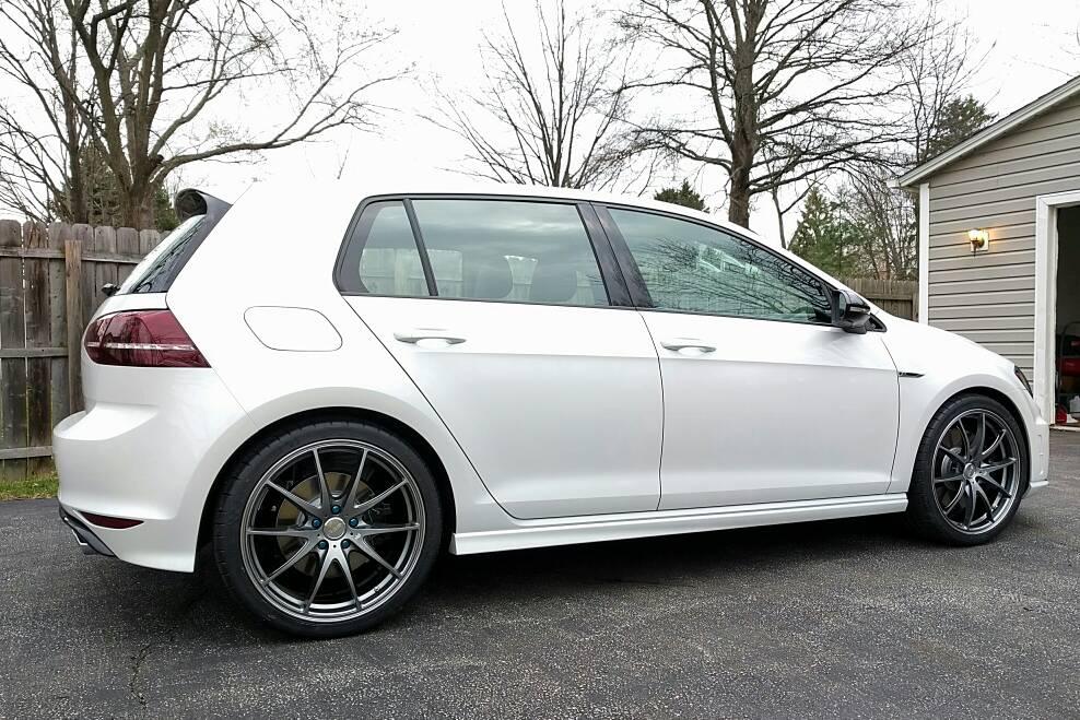 2017 Volkswagen Golf Sportwagen Tsi S >> VWVortex.com - Post pics of new wheels on your MK7 R