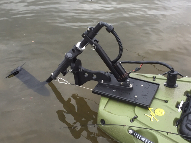 Trolling with my kayak tennessee 39 s fishing for Fishing kayak with trolling motor