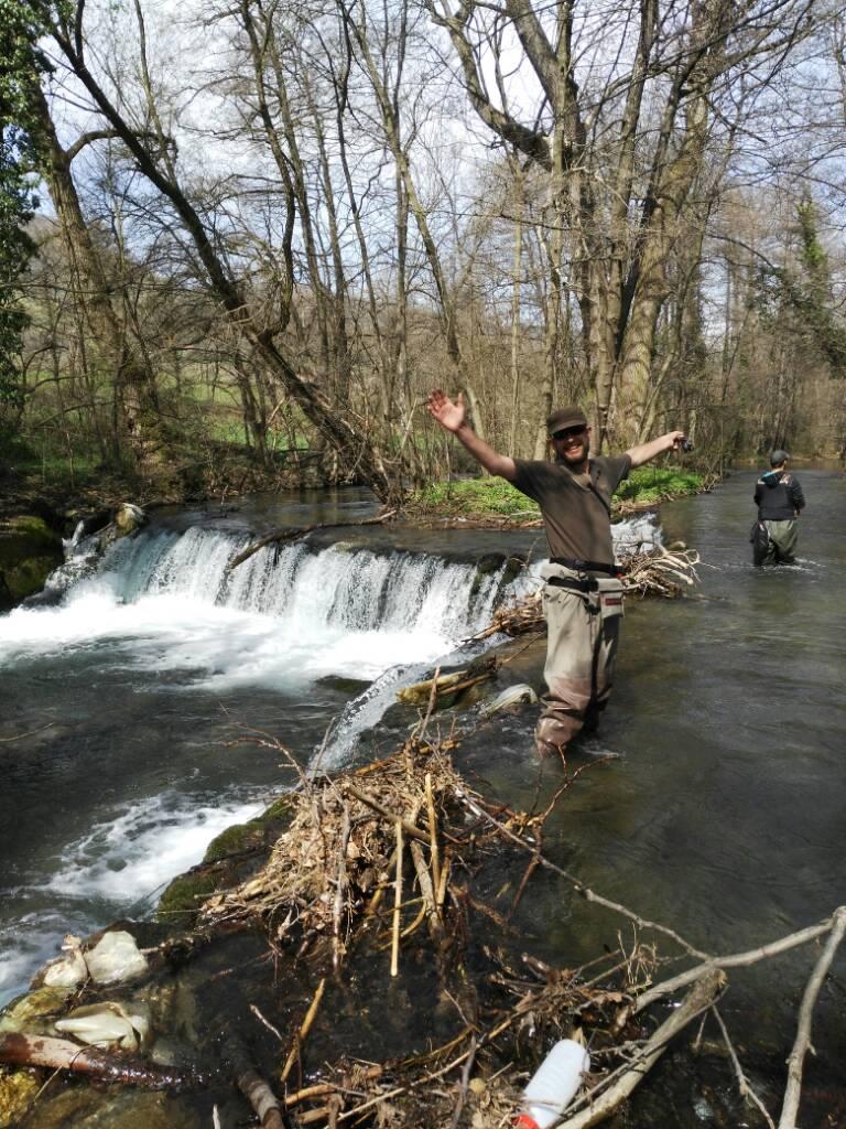 Tamo neka reka na istoku... 98d2ac3c3e84581be42afb9ef60603a1