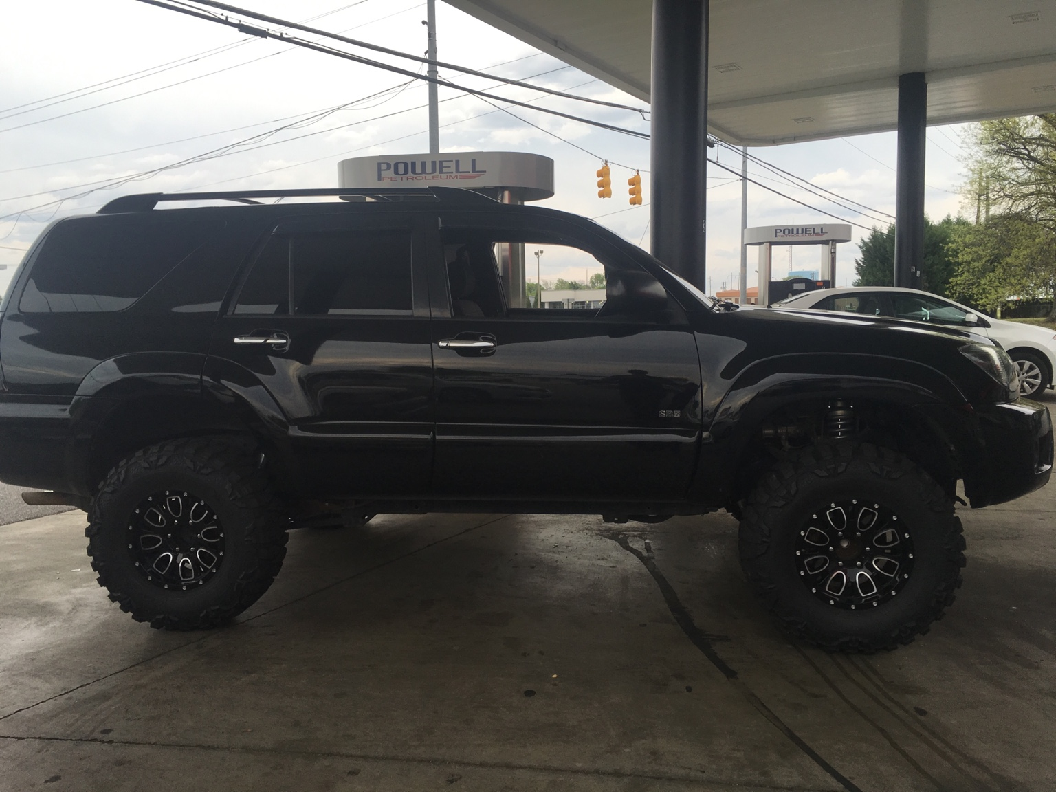 My Lifted 06 On 33 Quot Mud Graps Toyota 4runner Forum