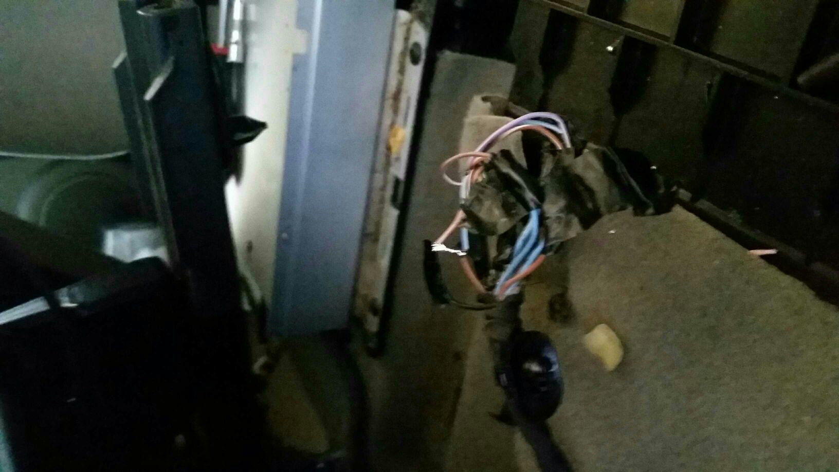 Renault scenic 1.9dci fuse box (where has this plug gone) [Archive] -  Renault Forums :: Independent Renault forum